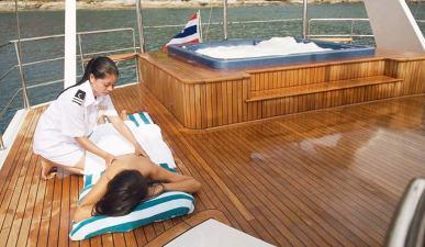 massage-shangani-phuket-yacht-charter_1