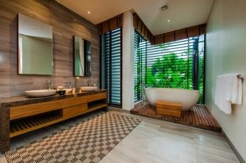 villa-sawarin-master-suite-one-designer-ensuite