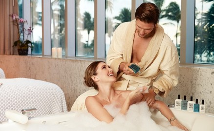 couple_bath_spa_650x400